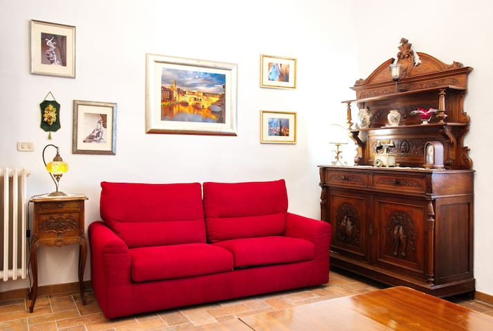 Elegant apartment 300m from old town center