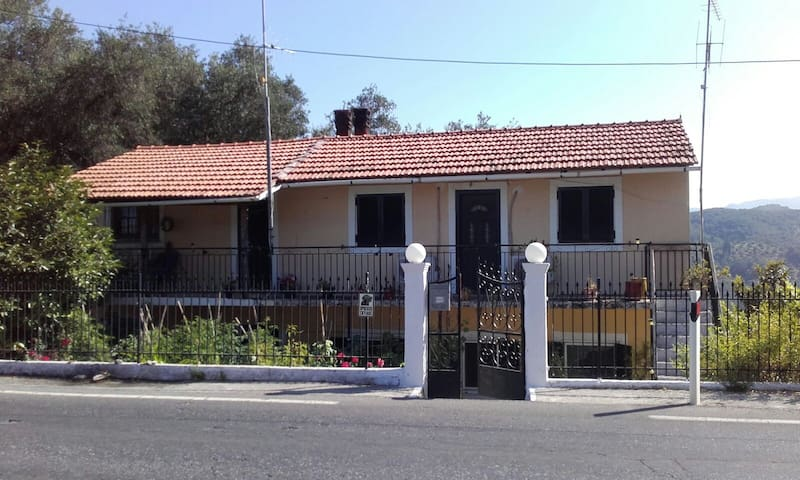 Villa kastri - Corfú - Casa