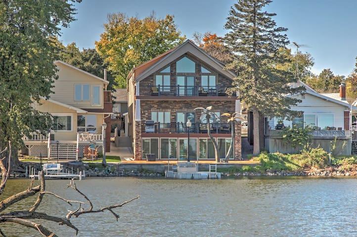 Waterfront Black Hawk Lake Home w/Game Room, Bikes