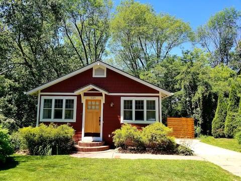 Maple Ridge Cottage