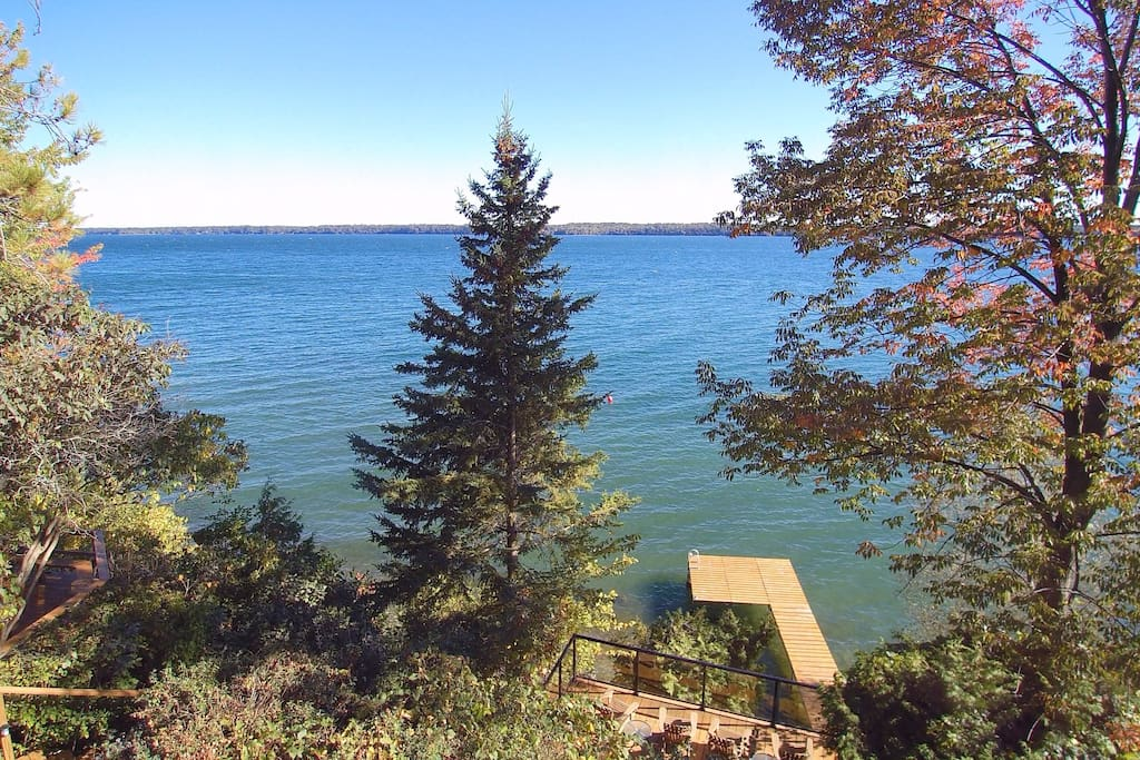 Located on Lake Simcoe's Kempenfelt Bay along the shores of Millionaires Row.   Lake View with Decks and Dock