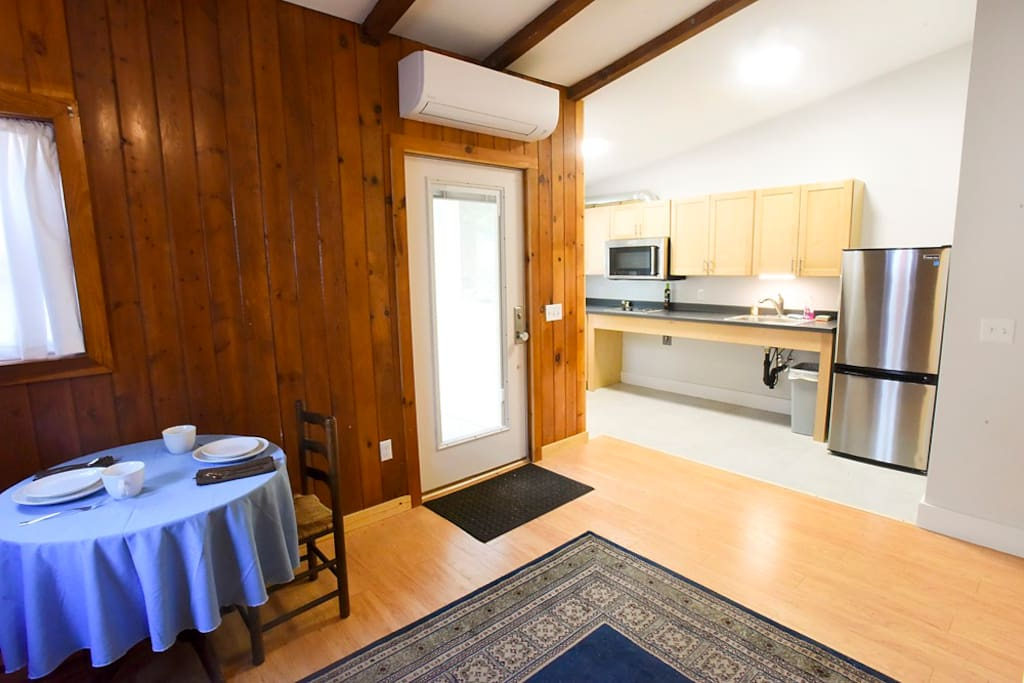 downtown amherst studio apartment apartments for rent in amherst massachusetts united states. Black Bedroom Furniture Sets. Home Design Ideas