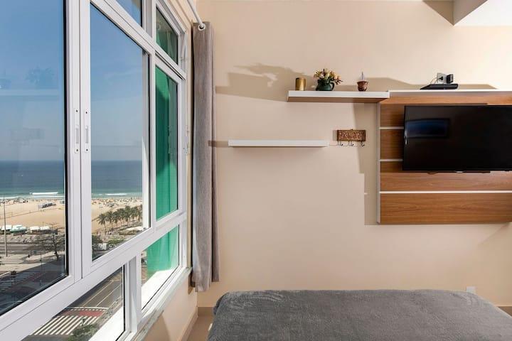 Rio Rentals 021 - C011 Studio de luxo com vista para o mar de Copacabana