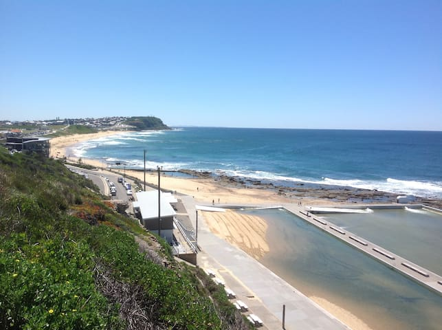 Great easy access Merewether location