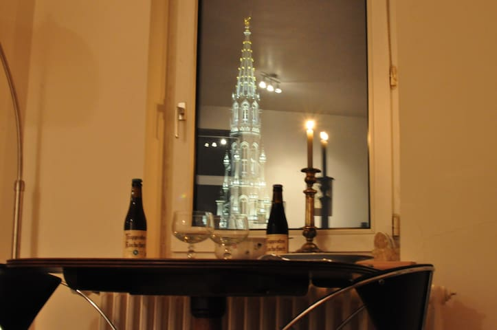 Grand-Place, calm room in a cosy flat, superb view - Bruxelles