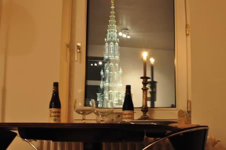 Grand-Place, chambre calme, vue superbe du salon - Bruxelles - Departamento