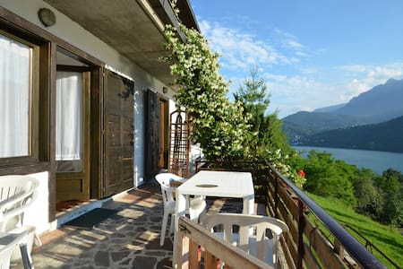 "Apartment ""Gelsomino"" panoramic lake view - Tenna - Leilighet"