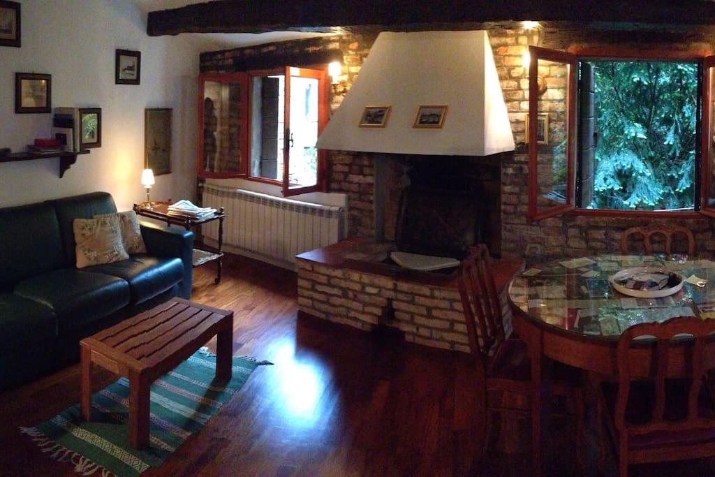 Stanza. Room.