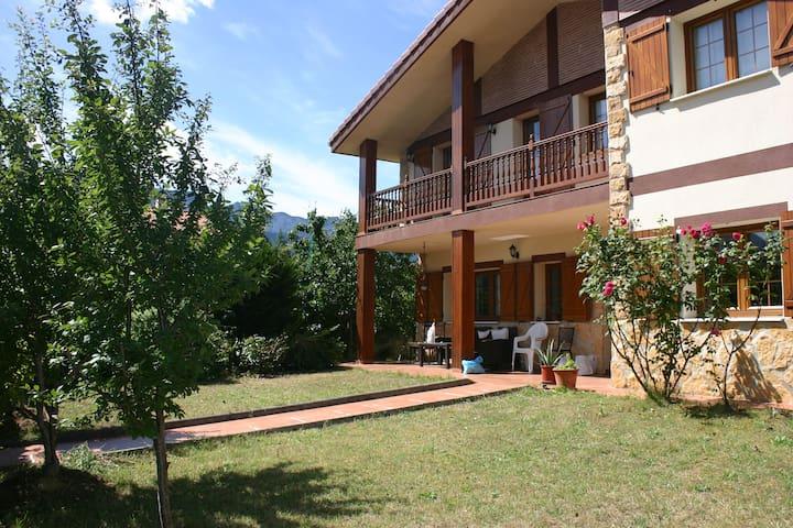 Casa Aitzondo-Naturaleza/rutas - Villasana de Mena - Lomamökki