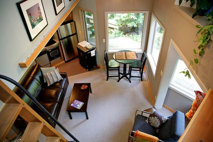 TreeHouse Studio - Bainbridge Island - Loft