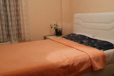 Cute place with great couple - Istanbul - Penzion (B&B)