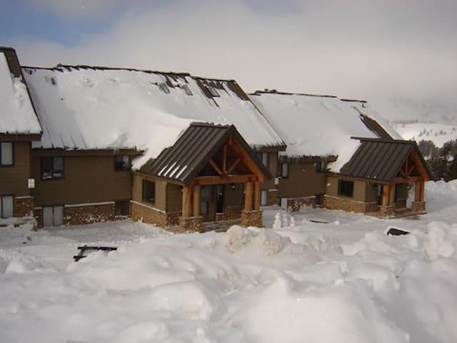 3 BR Powder Mountain Condo at Powder Ridge Village