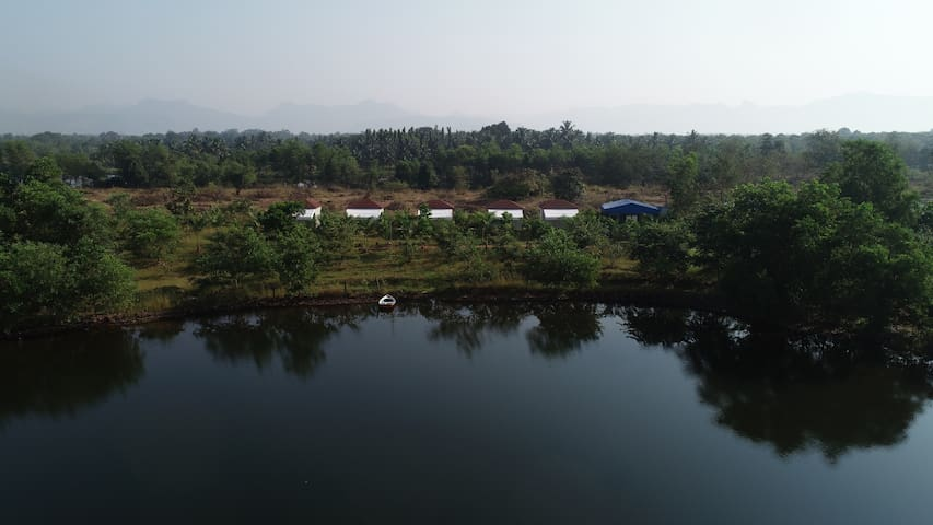 The Waterfront, Farm at Kolad,Breakfast included E