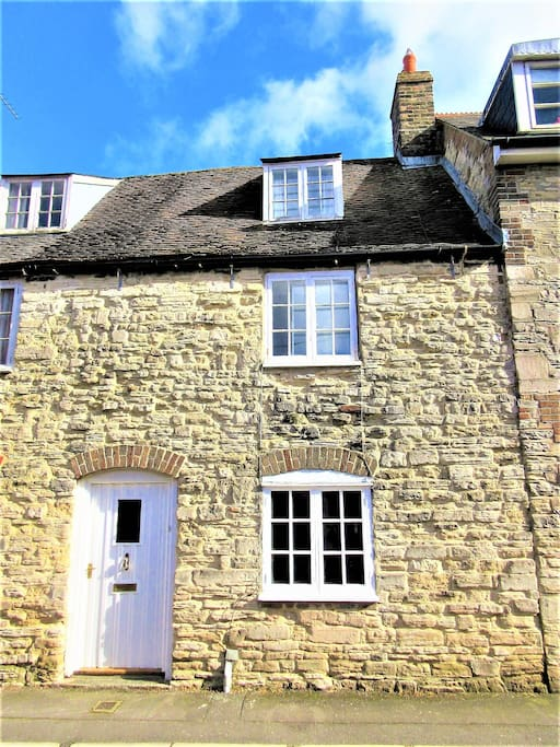 Welcome to our Dorset cottage!