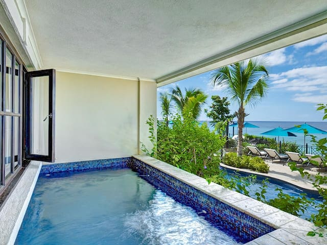 SUPER LUXURY OCEAN FRONT CONDO - Barbados - Daire