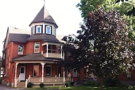 Fabulous Victorian 2BD in Turret