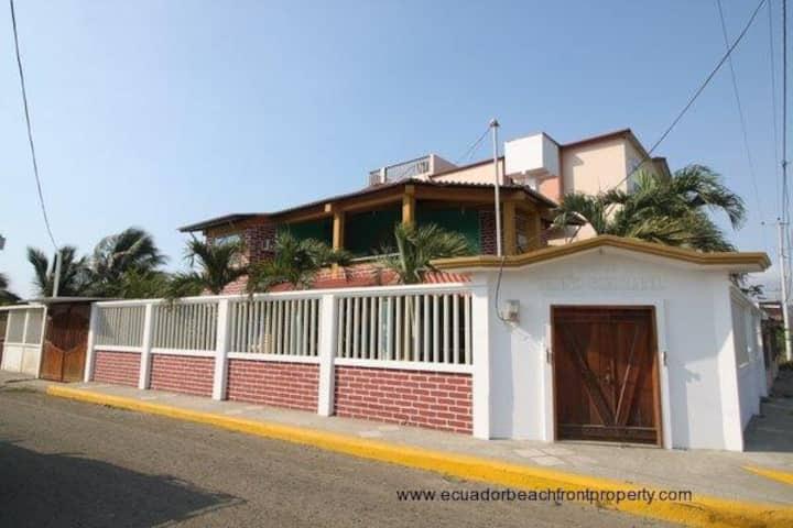 Casa familia Cedeño