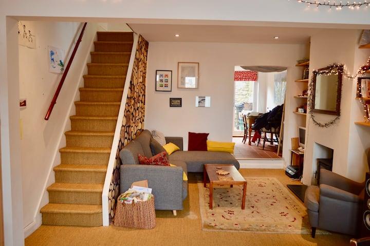 Wonderful 2 Bedroom Bristol Home - Sleeps 4