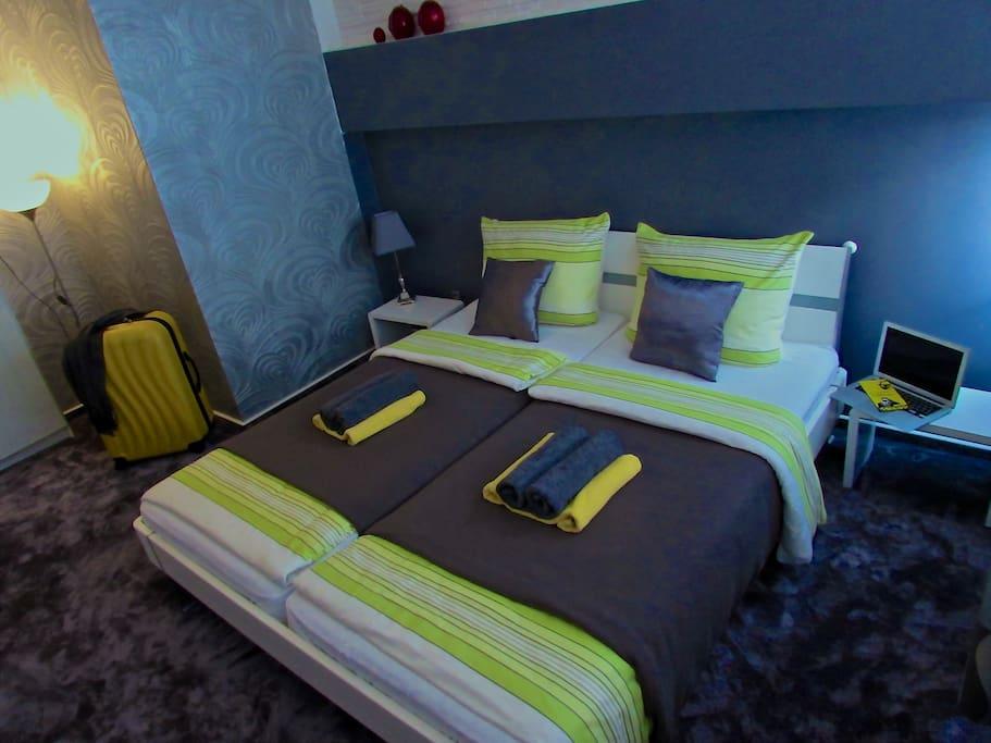 apartment 20 min von hamburg city bed breakfasts zur. Black Bedroom Furniture Sets. Home Design Ideas