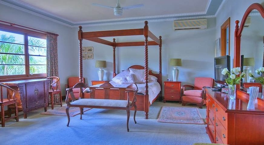 Melville House B&B - Blue Pearl Room - East Lismore