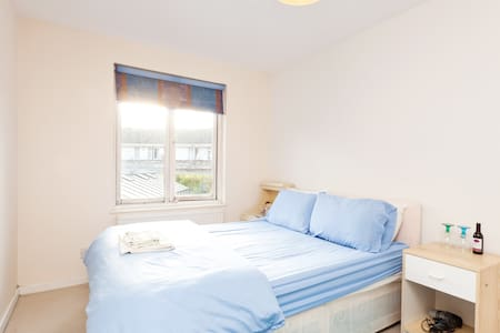 Bright room available in Camden - London - Apartment