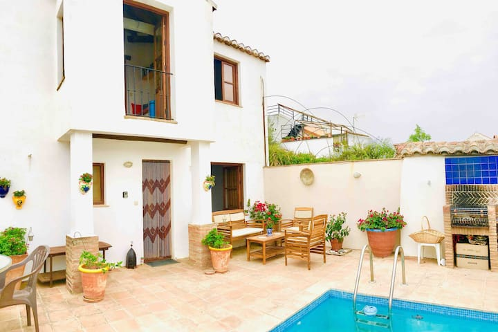 Casa Sol - charming house with view - pool wifi AC