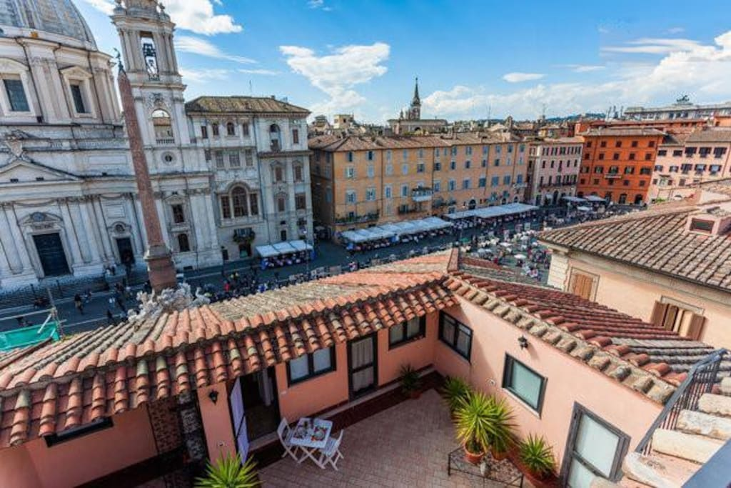 Romantic stunning view on navona roofs a c wi fi for Airbnb roma