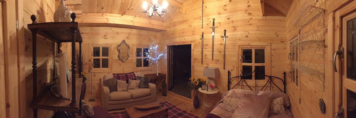 Stunning Log Cabin Area Outstanding Beauty Surrey - Dorking