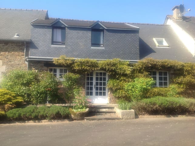 Gite Amelie at Le Manoir, in the heart of Brittany