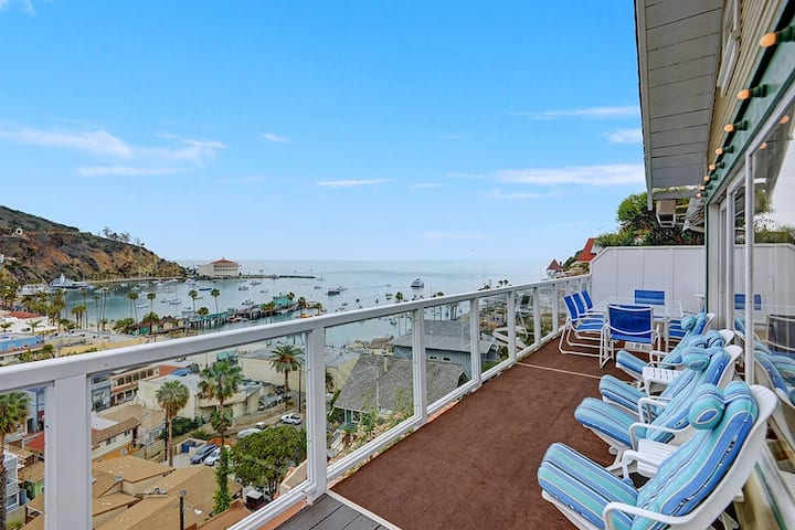 5 Bdrm Home, Vaulted Ceilings, 180° Ocean View - 176 Middle Terrace