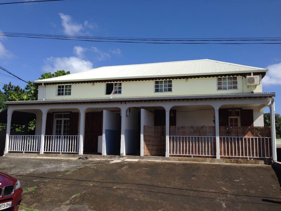 Appartement situé au rez-de-chaussée gauche
