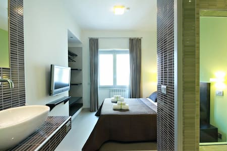 Superior Double Room or Single Use - Rome - Inap sarapan