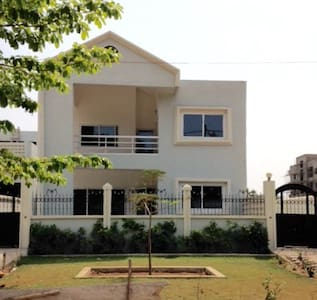 Paisible villa - Quartier résidentiel Censad PK7