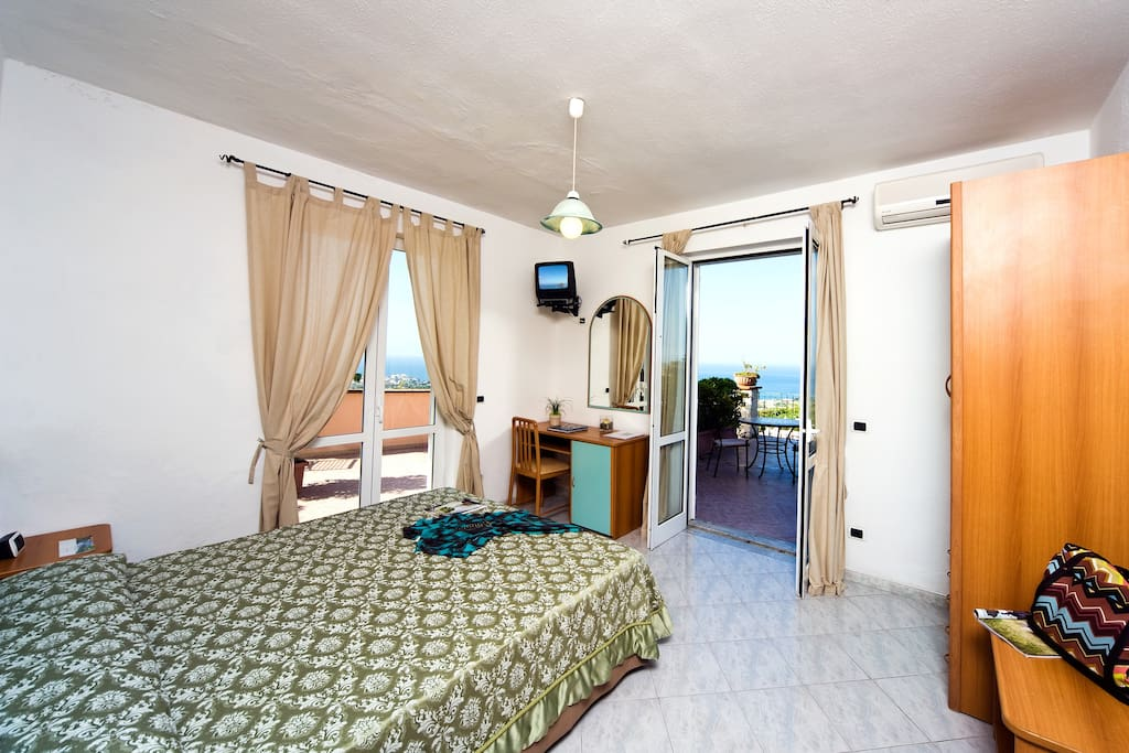 Double room and sea view
