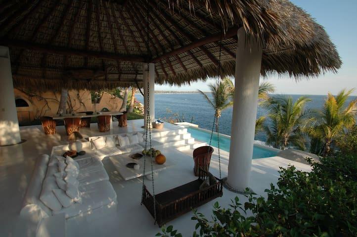 Casa Chantal - 3BR Oceanfront - Puerto Escondido - Huis