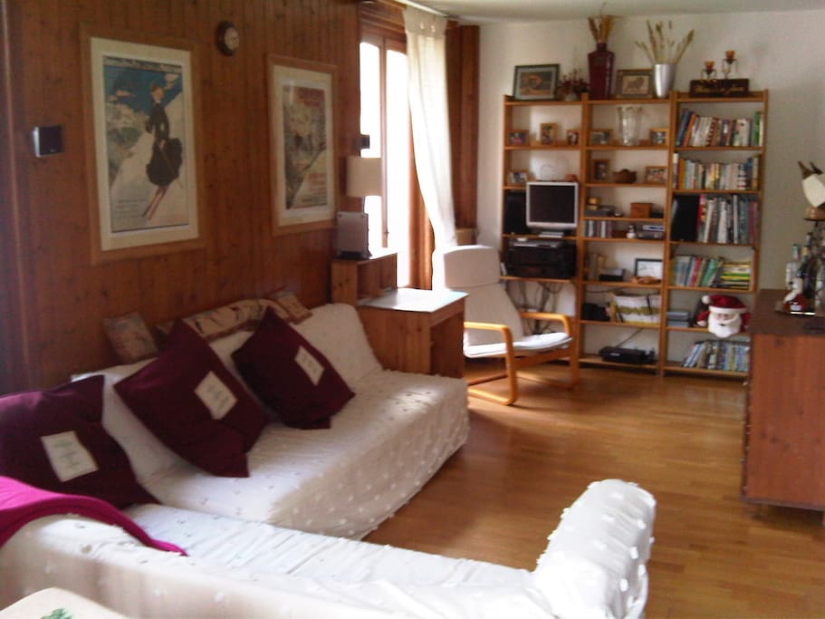 Large living room, central Chamonix apartment