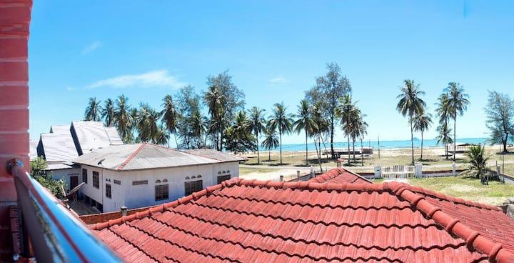 Beach View House, 2 min to Kuala Besut