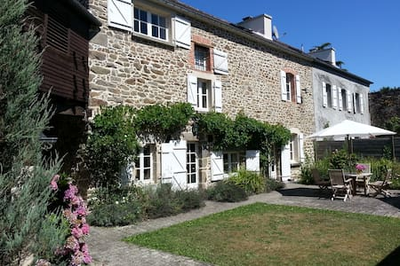 Riverside holiday villa - Pleudihen-sur-Rance - วิลล่า