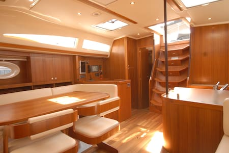 Cabins for 2 to 4 pax in sailboat - Valencia - Boot