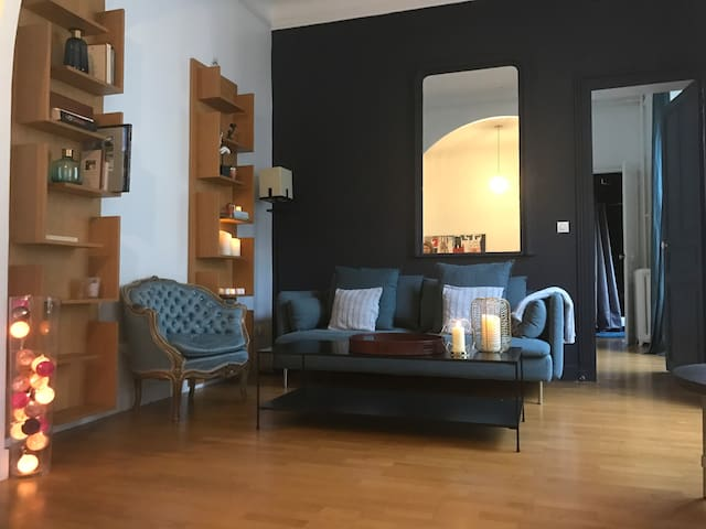 Superb Appartement, Parc Monceau, Arc de Triomphe