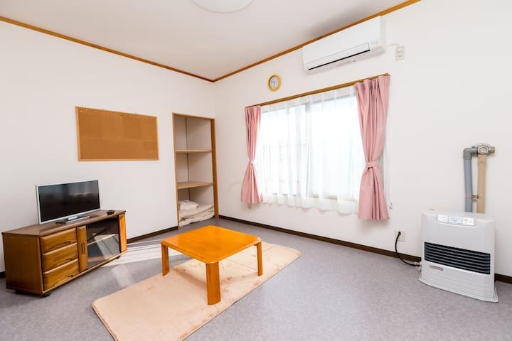 [岩木山]黒石駅徒歩15分、Kuroishi station 15min. 青森観光拠点おススメ。