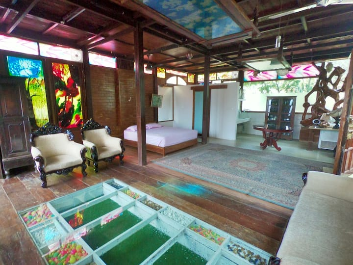 Wood House: Farm Stay, Near Cochin Intl Airport