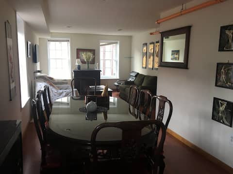 2 bedrooms Apt in Old City