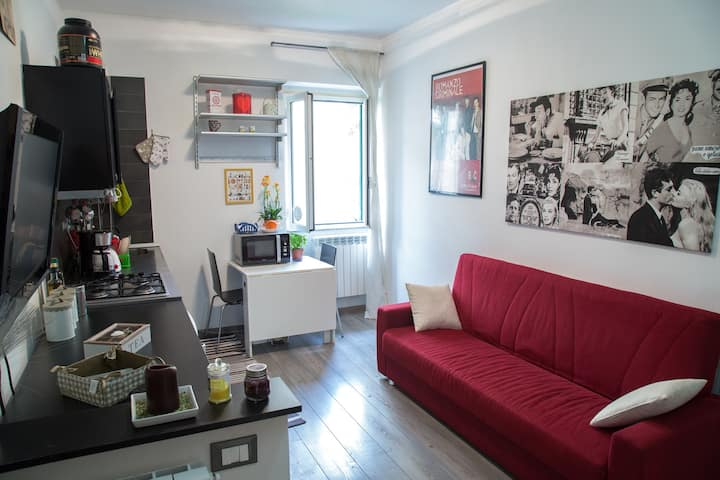 TWO ROOMS APARTMENT IN  STREET ART NEIGHBORHOOD!!!