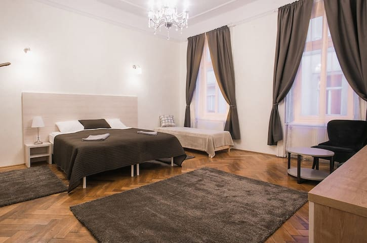 Ozone Private Rooms - 2, Budapest