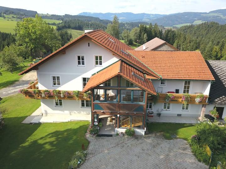 Ferienwohnung am Bio-Bauernhof Holzer
