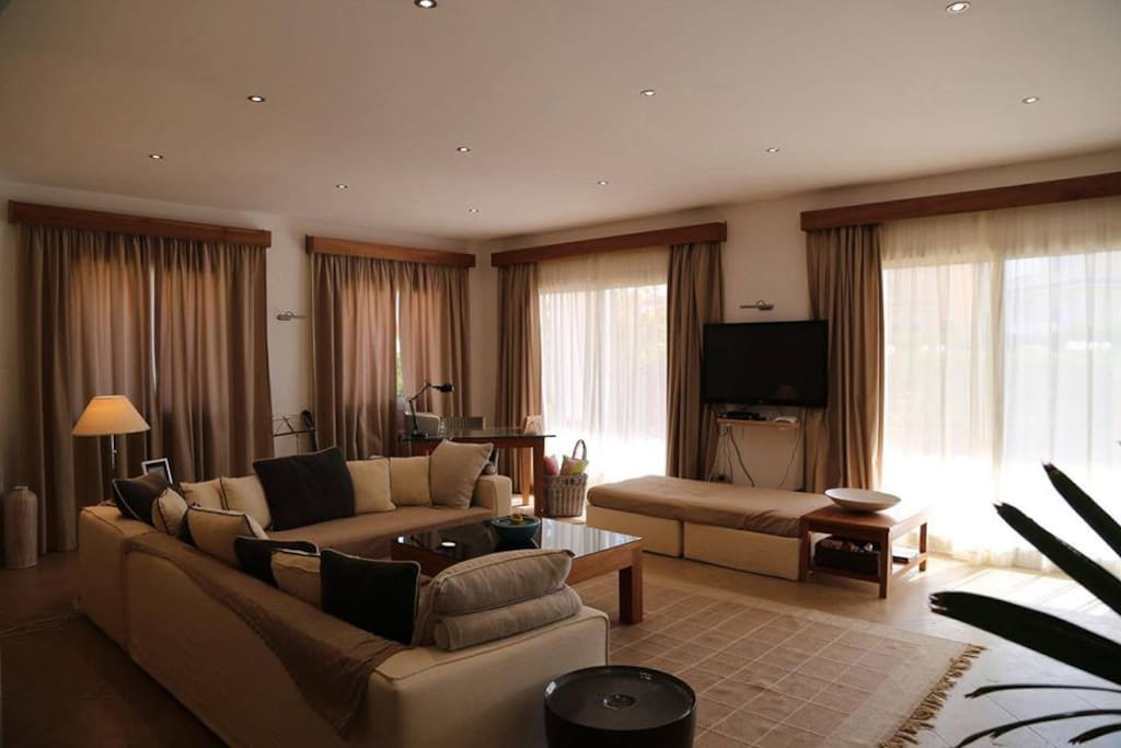 100m2 Living room