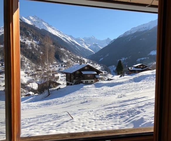Chalet skis aux pieds, plein Sud, vue superbe