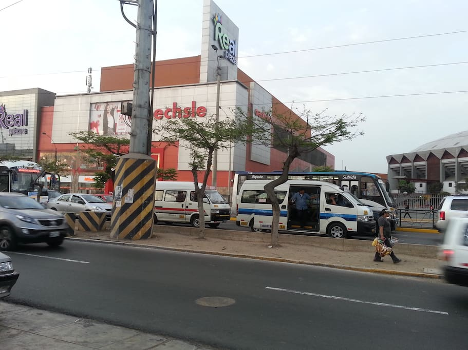 That's the point of reference (Real Plaza Mall and the Eduardo Dibos Colliseum).