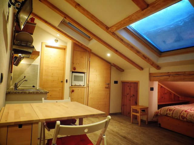 Letti Singoli Disposti Ad Angolo.Airbnb Canazei Vacation Rentals Places To Stay Trentino